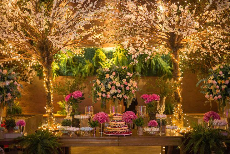 Idéias de iluminação para casamentos - Casamento Aline e Marco - mesa de doces