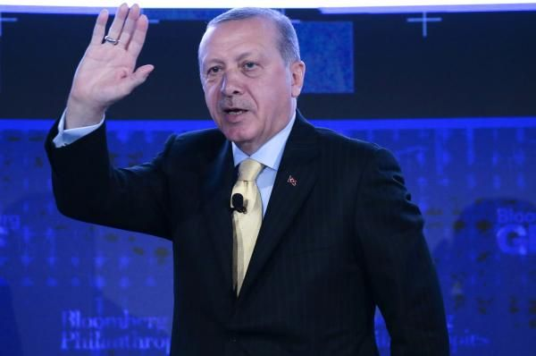 Leaders in Turkey and the United Arab Emirates traded insults on Wednesday after a UAE minister criticized a revered military officer in…