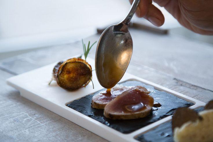 TeGusto M – Dallo stile elegante ed essenziale, è adatto ad ogni momento della giornata per dolci e salati, per abbinamenti di cibi e contorni e ad ogni libera interpretazione e fantasia.