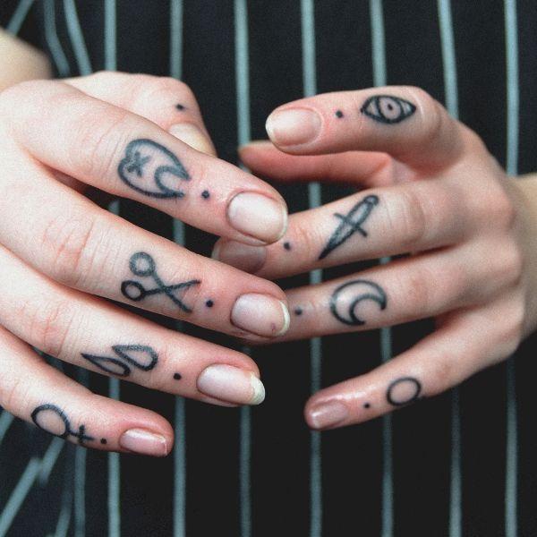 Cute finger tattoos tumblr images for Finger tattoo tumblr