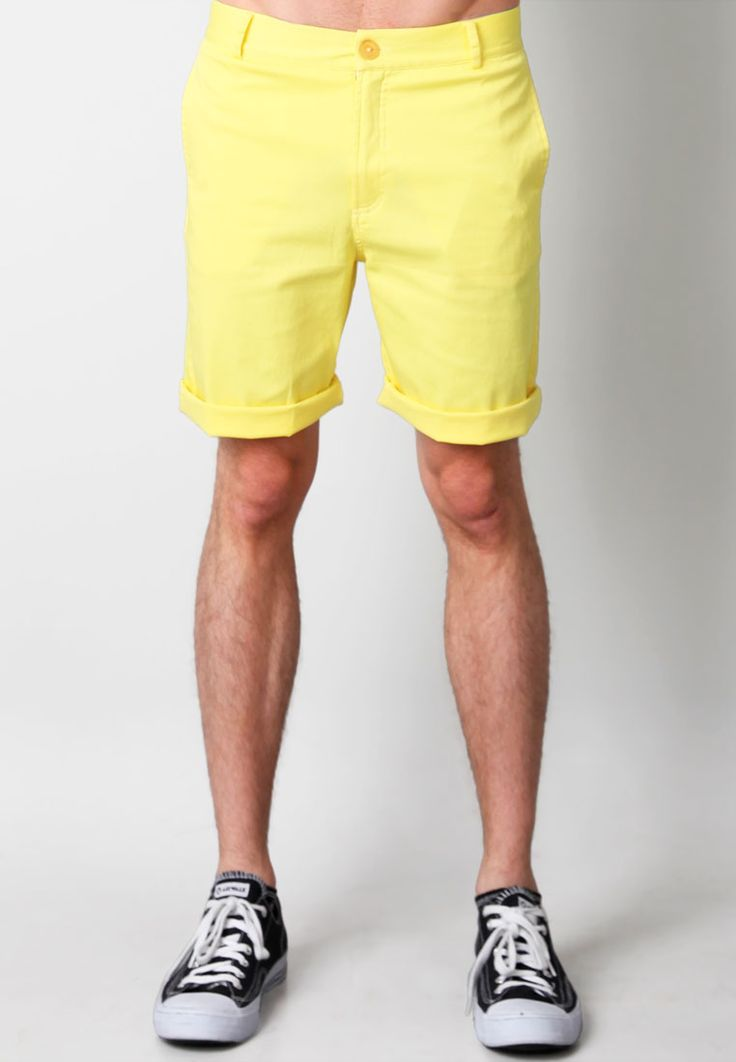 Summer breeze bermuda pants from Pinot Noir. Made of cotton. http://www.zocko.com/z/JFz39