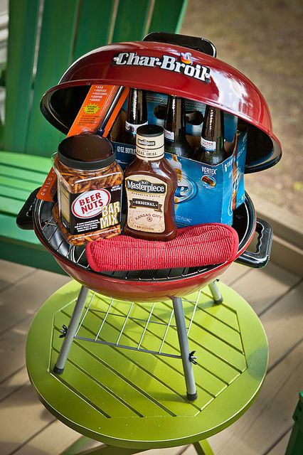 "Father's Day grill lovers' gift ""basket"" in a tiny grill - so cute! Great idea"