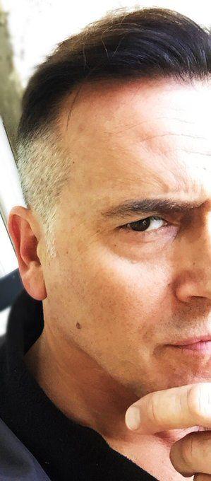 Noooooooo! Bruce Campbell has cut his hair after AvED s2 - Can I buy a lock?