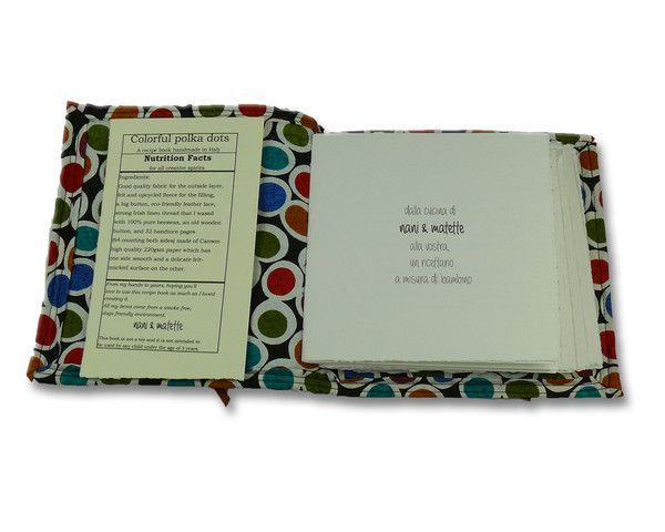 """Quaderno ricettario """"Colorful polka dots"""" di NANì&MATETE. Al suo interno alcune ricette della cucina italiana a misura di bambino in italiano e in inglese... e lacune pagine per aggiungere le vostre ricette preferite. — La Casa di Ninni (interno)"""