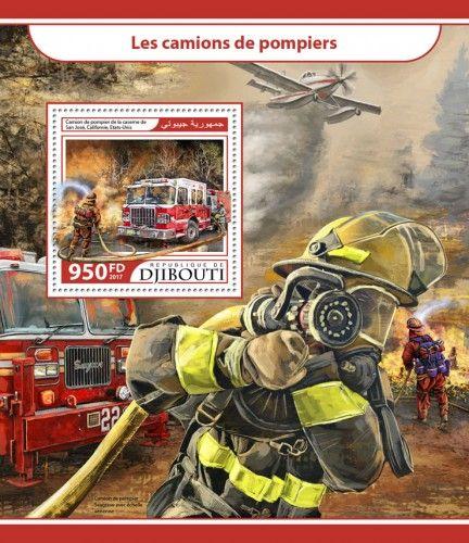 DJB17203b Fire trucks (Camion de pompier de la caserne de San José, Californie, Etats-Unis)
