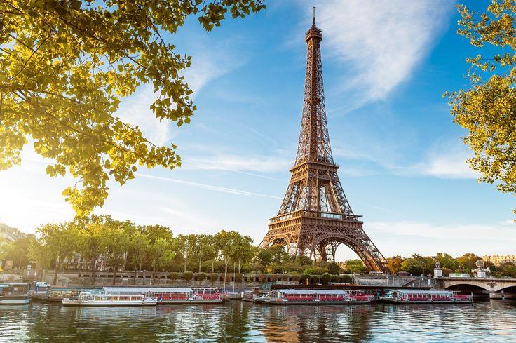 Eyfel kulesi, Fransız devriminin 100. yıl kutlamaları için 1887 ile 1889 yılları arasında Gustave Eiffel tarafından yapılmıştır. Dünyanın en meşhur yapılarından ve Paris'in en önemli simgesi olan Eyfel kulesini görmek için Paris turlarımıza bekleriz.  ☎ 0850 466 77 52  #eyfel #eiffeltower #paris #tatil