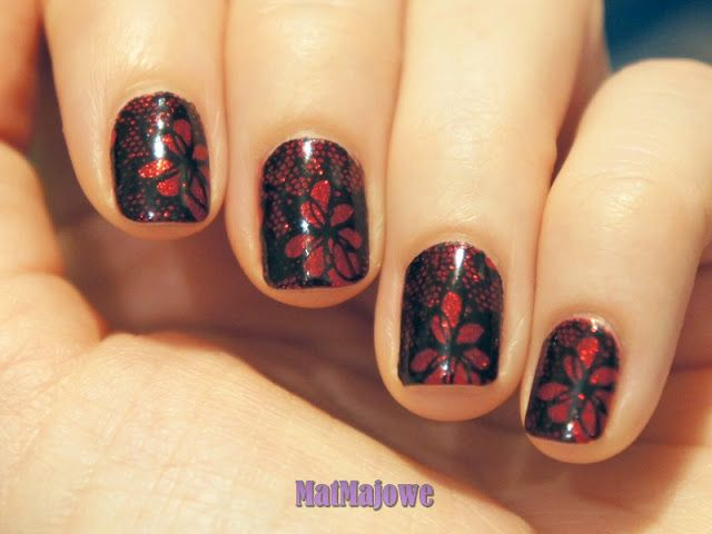 China Glaze Ruby Pumps stamped with black using BP-L020 plate http://matmajowe.blogspot.com/2015/08/ruby-pumps-with-lace.html
