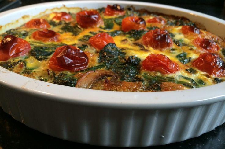 Frittata lijk op quiche, maar is lichter en een stuk gezonder. Het is heel simpel om te maken en je kunt eindeloos variëren door steeds andere groenten te gebruiken. Deze snelle frittata met spinazie…