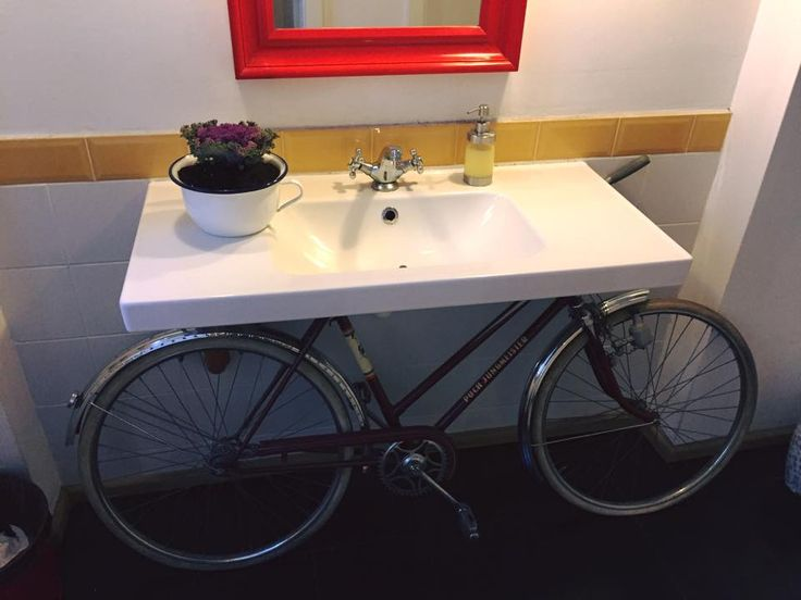 "bicycle sink #décor - Honey....""where is the bicycle?"" 