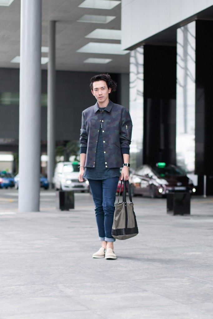 SHENTONISTA: Conscious Curations. Wilber, Media. Necklace from Thomas Sabo, Watch from Apple, Jeans from Uniqlo, Bag from BLACKBARRETT, Top from Public School, Jacket from Paul Smith. #shentonista #theuniform #singapore #fashion #streetystyle #style #ootd #sgootd #ootdsg #wiwt #popular #people #male #female #womenswear #menswear #sgstyle #cbd #ThomasSabo #Apple #Uniqlo #BLACKBARRETT #PublicSchool #PaulSmith