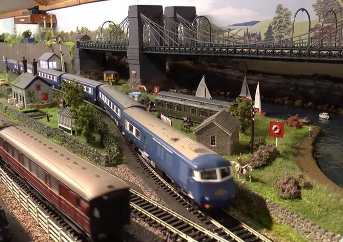 Excellent source of information building model trains for beginners as well as for pros: http://modeltrains.fbtips.info/