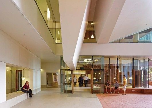 Transparency is a fundamental feature of the building and encourages interaction between the researchers. Strong pedestrian connections help employees and patients go back and forth between TRI and PAH. Image © Christopher Frederick-Jones