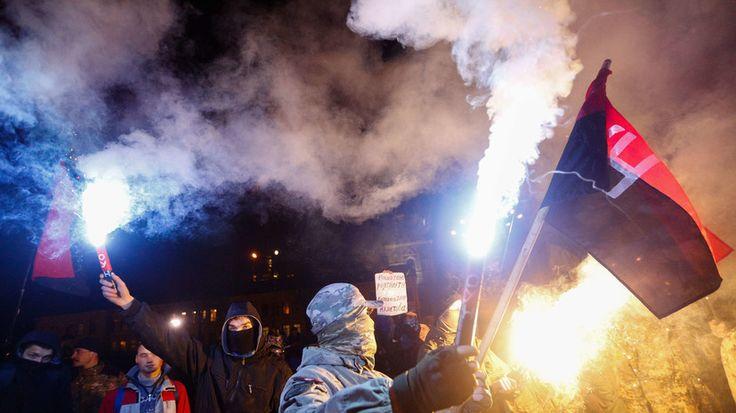 «Мы —  потомки славных воинов»: депутат Верховной рады пообещал уничтожить Кремль — РТ на русском