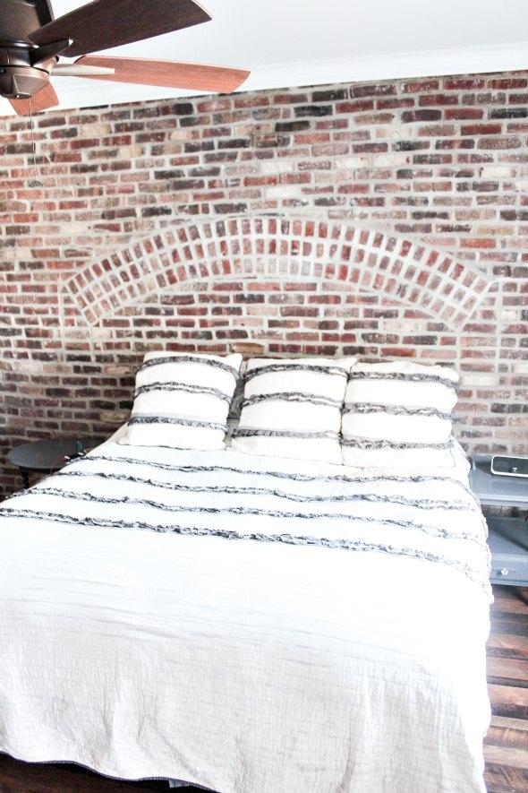 Master Bedroom Brick Wall Decor Bedrooms Pinterest Exposed Brick Walls Master Bedrooms