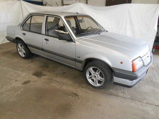 Opel ASCONA 1.8 S LS H4, oldtimer, bj 1987 op Nederland Mobiel