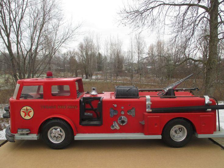 Sharp Vintage 1960s Texaco Fire Engine Buddy L Holy Grail