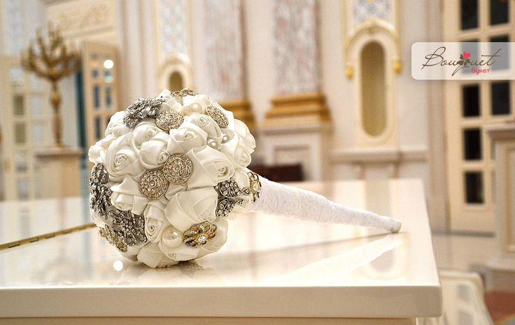 http://www.bouquet.kiev.ua/files/uploads/stati/2014/10/dlya-grafini/fb_buket_grafinya_2_11.jpg