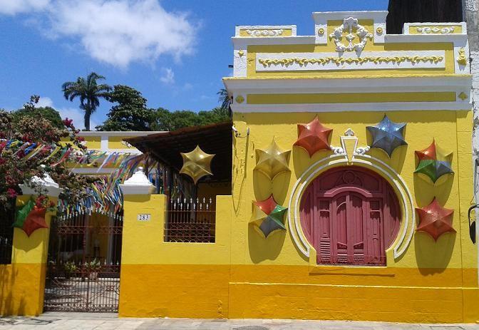 Fachadas casas pintadas de amarelo claro pesquisa google - Fachadas de casas pintadas ...