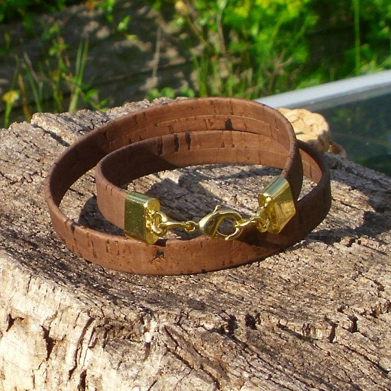 Bracelet made of brown cork cord  double.