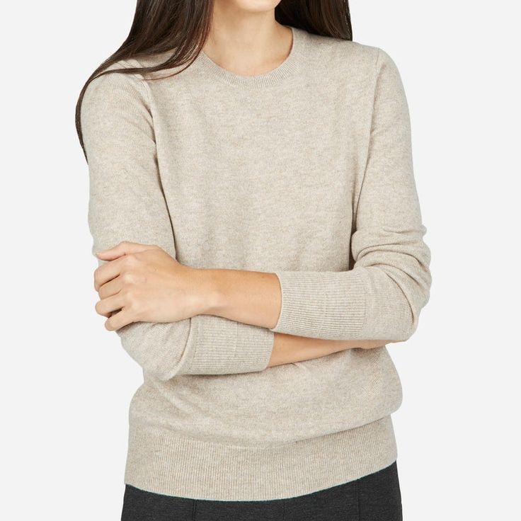 Everlane The Cashmere Crew Oatmeal Sweater aso Meghan Markle