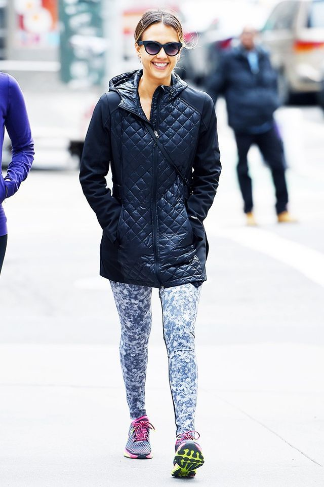 56fb577495 Hungover  7 Comfortable Outfits to Wear With Leggings