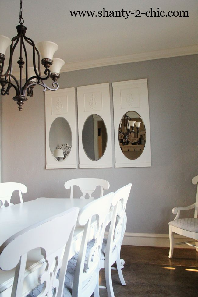 These mirrors are a very easy but elegant idea for a dining room!