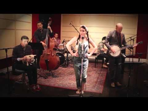 "This bluegrass version of Nikki Minaj's ""Anaconda"" will make you love the song even more 