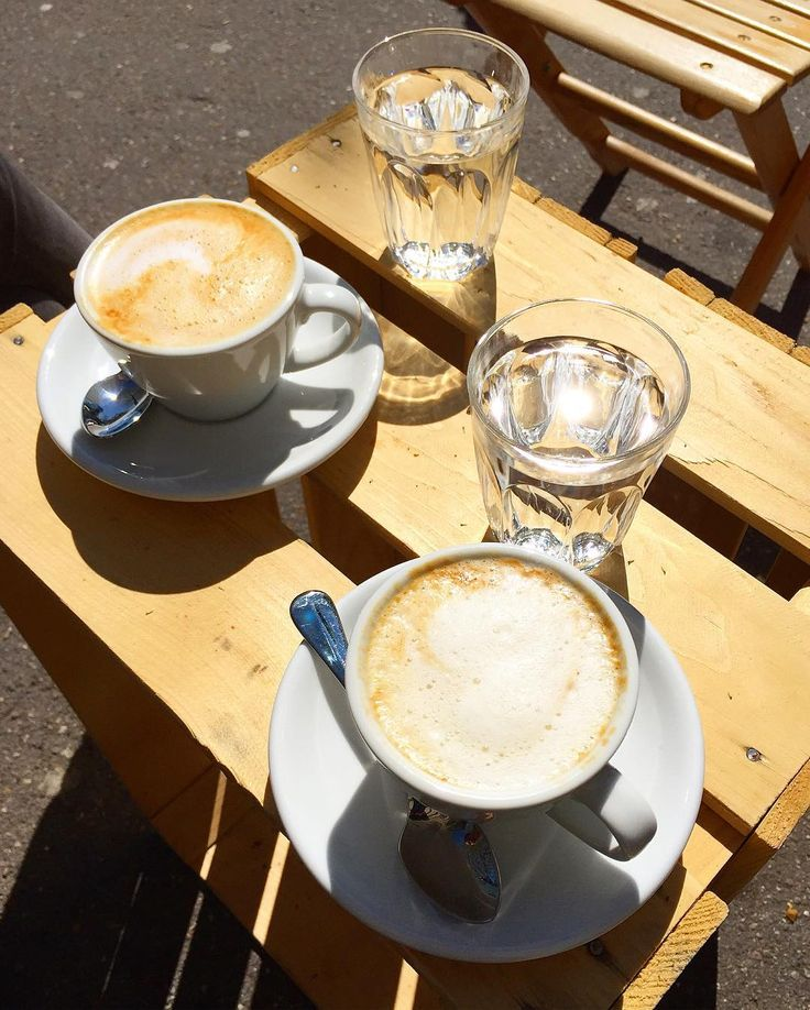 John Baker  Zürich  Cappuccino Soja-Cappuccino #johnbaker #johnbakerhelvetia #johnbakerzh #zurich #bank #helvetiaplatz #cappuccino #sojacappuccino #coffee #coffeebreak #coffeelover #zurichcoffee #zurichfood #coffeegoals #sun #rahelflubacherschweiz by rahelflubacher