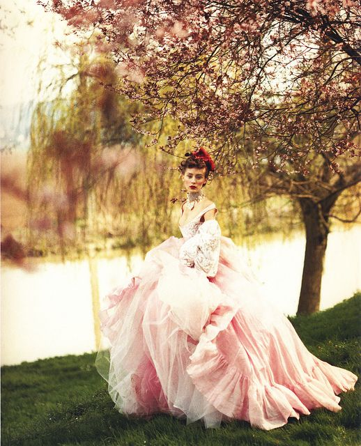 ♥ Romance of the Maiden ♥ couture gowns worthy of a fairytale - Paolo Roversi for Vogue UK 1997