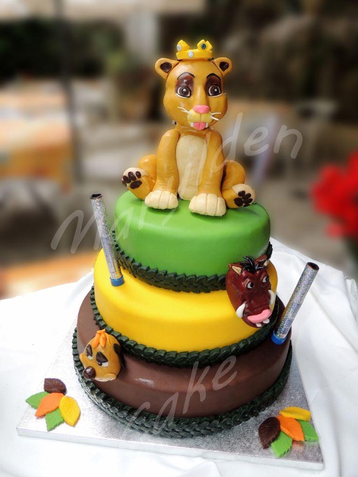 Gateau Wedding Cake  Etages Anniversaire D Un Roi