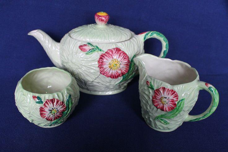 http://www.ebay.co.uk/itm/Carlton-Ware-Poppy-Tea-Pot-Milk-Jug-and-Sugar-Australian-Design-Handpainted-/122253378016?hash=item1c76de81e0:g:0CYAAOSwB09YQp40