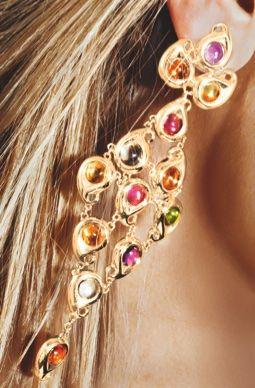 Tamara Comolli earring in 18k gold.