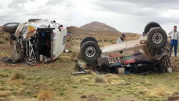 Así quedó el auto del Pato Silva (336) y el del canadiense Mathew Campbell (356), que volcaron en el mismo lugar. (@itchiae)