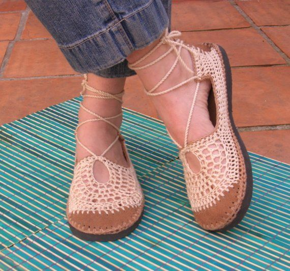 .Fashion Places, Fashion Ideas, Favorite Shoes, Tans Colors, Crochet Shoes, Summer Shoes, Beach Wedding, New Shoes, Bootsy Shoes