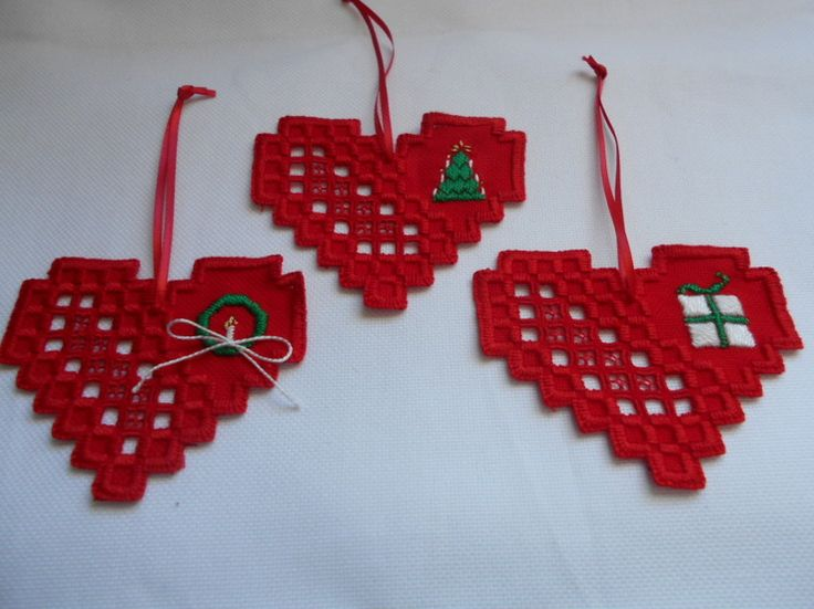 Hardanger Christmas Hearts - stitchin fingers