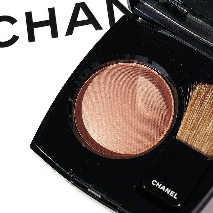 @Chanel you are the prettiest!  No cabe duda que la simplicidad es el mayor signo de elegancia. Me declaro super fan del packaging de #Chanel