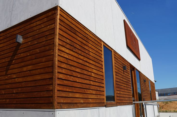 BareStone partners beautifully with raw timber features.