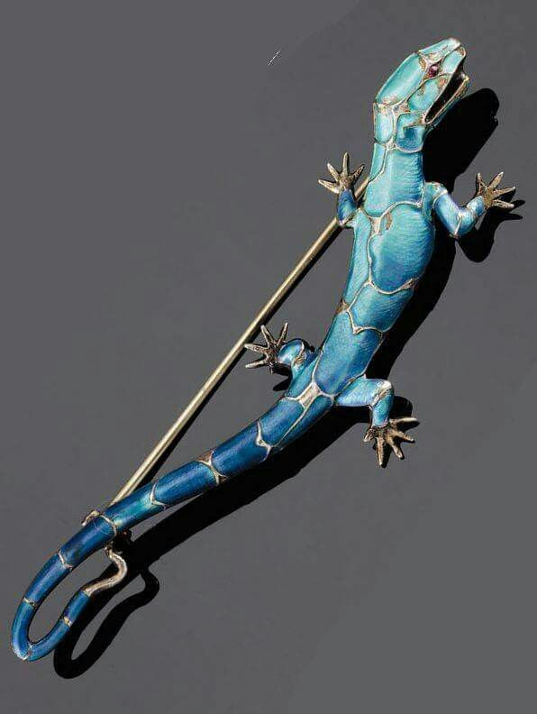 """Art déco jewelry(DOES THIS MAKE IT """"ART GECKO""""?)"""