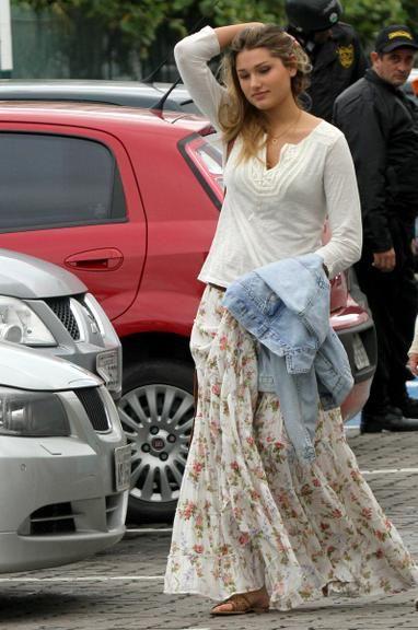 Linda! Sasha passeia com look estiloso em shopping no Rio de Janeiro