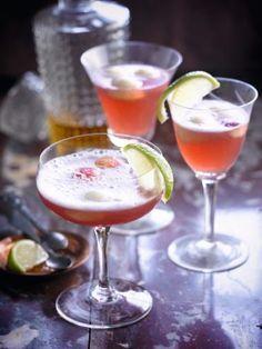 Cointreau cava cocktail http://njam.tv/recepten/cointreau-cava-cocktail