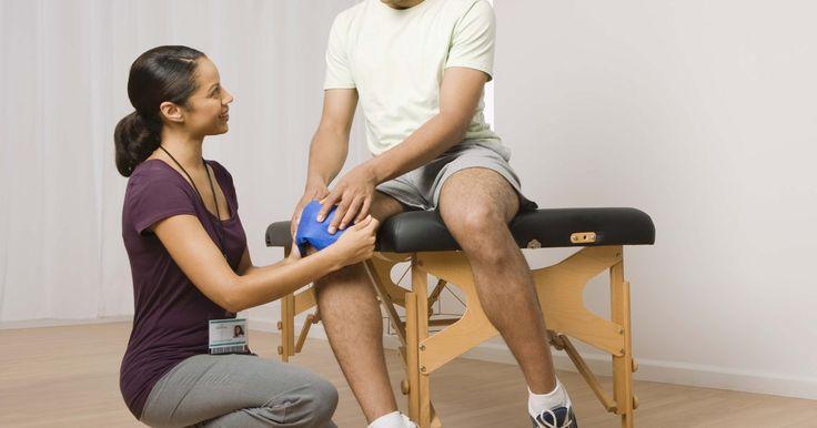 Como esticar a perna mais facilmente após uma substituição completa do joelho. A cirurgia de substituição completa do joelho é uma decisão importante. Mesmo que tenha o potencial de melhorar sua vida radicalmente, seja realista quanto à dificuldade da recuperação - além do esforço e tempo que vai levar - para voltar a um nível funcional. Um dos principais desafios da recuperação da cirurgia de substituição de joelho é ...