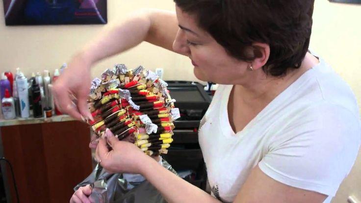 Киев Апрель 2011г Студия завивки Валентины Антоненко Накручивание бигуди - YouTube