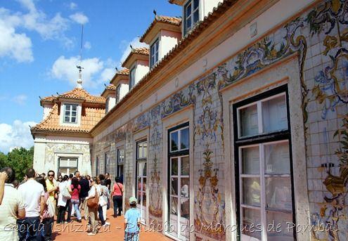 O Palácio do Conde de Oeiras é sem dúvida um marco da vila  de Oeiras  e um dos paços mais bonitos de Portugal, imponente com as suas longas e curvilíneas escadarias de pedra e o seu austero estilo barroco.