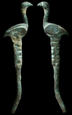 Luristan, Persia, 3rd - 2nd Millennium BC. Nice and long bronze bird finial from a cosmetic applicator wand.