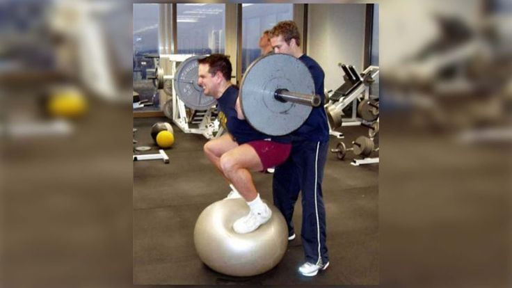 STUPID PEOPLE IN GYM FAIL COMPILATION    43 Funniest Workout Fails Ever https://www.youtube.com/watch?v=w1932GYM92w