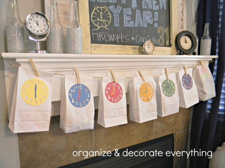 NYE Countdown Bags -- would be so fun to do with the kids! @Rachel Buckler @Cindy Yoder @Sara Eriksson Eriksson Eriksson Rice ???