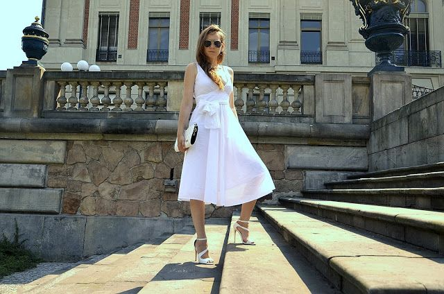 White total look white dress