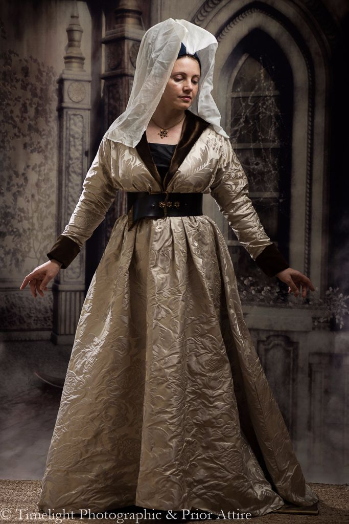 Inspired by marriage in 15th- and 16th- century Italy, we reinvent the Renaissance bride. Renaissance Wedding Attire. By. Fashion & Beauty 20 Champagne Wedding Dresses for the Bride Who.