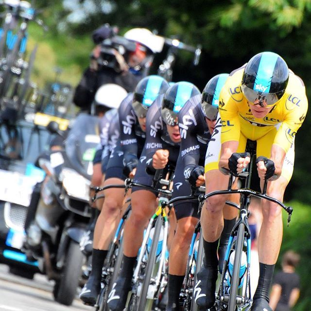 @chrisfroome must have pulled 50% of the last 15km. Flying. #tdf2015 Credit pelotonmagazine