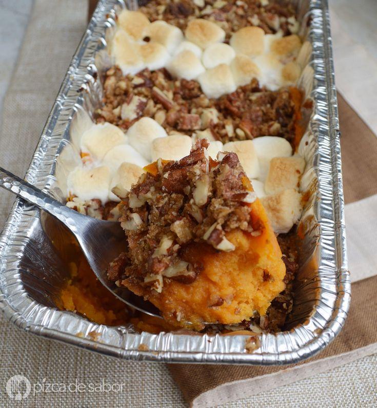 Sweet potato casserole – Camote horneado con cubierta de nuez y malvaviscos www.pizcadesabor.com